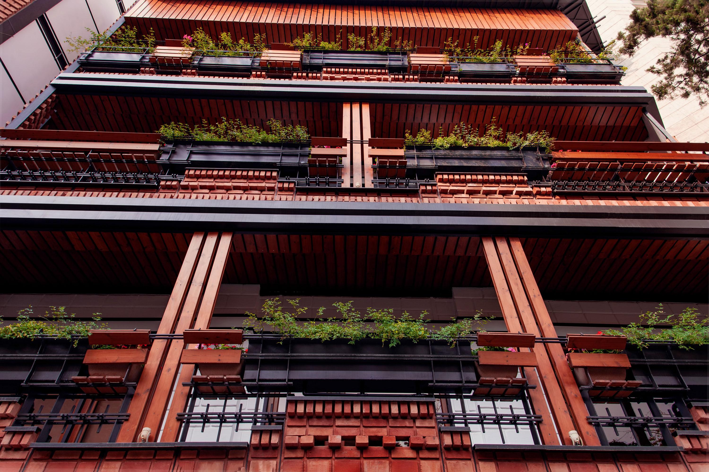ساختمان آرتیمان واقع در ونک